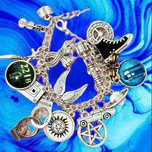 NEW Mixed sci-fi bracelet Dr Who Sherlock Gardians